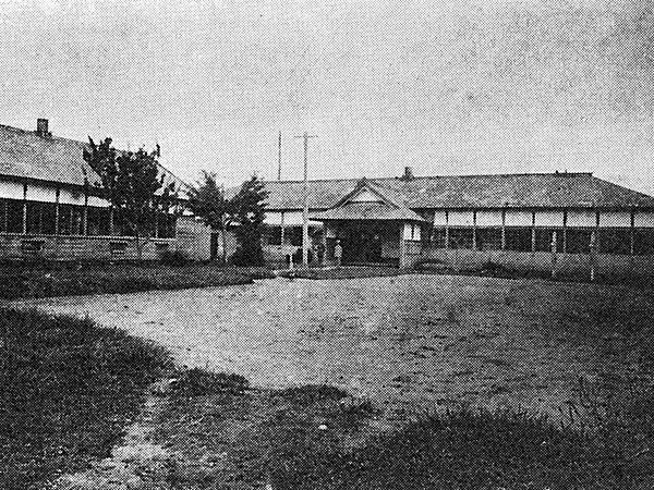 染織学校校舎